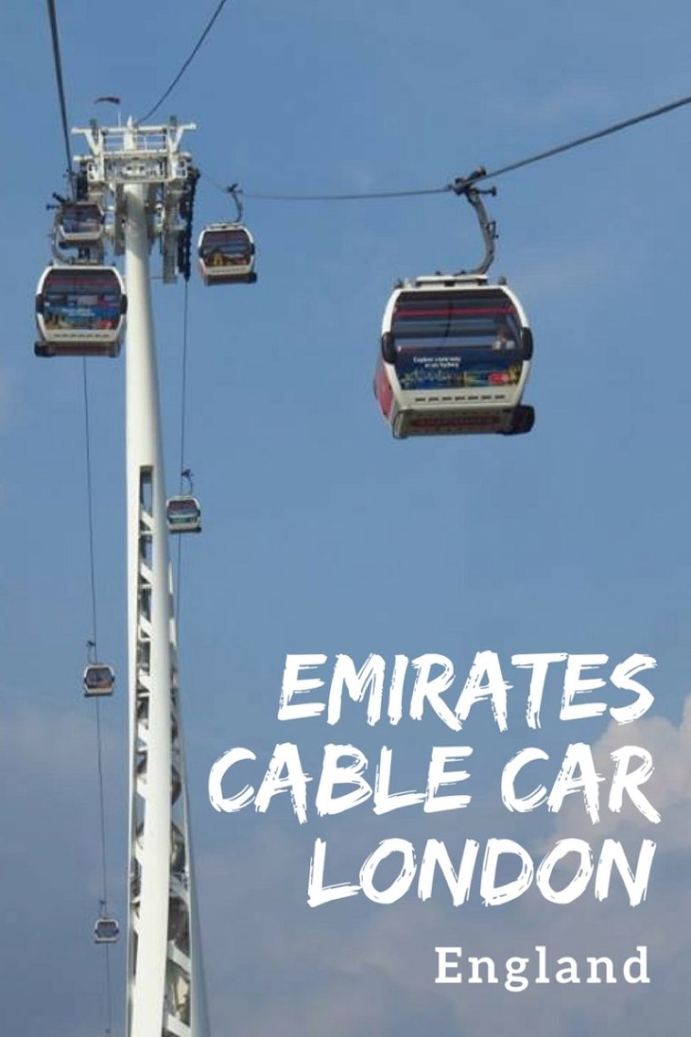 Riding on the Emirates Air Line Cable Car in London, UK!