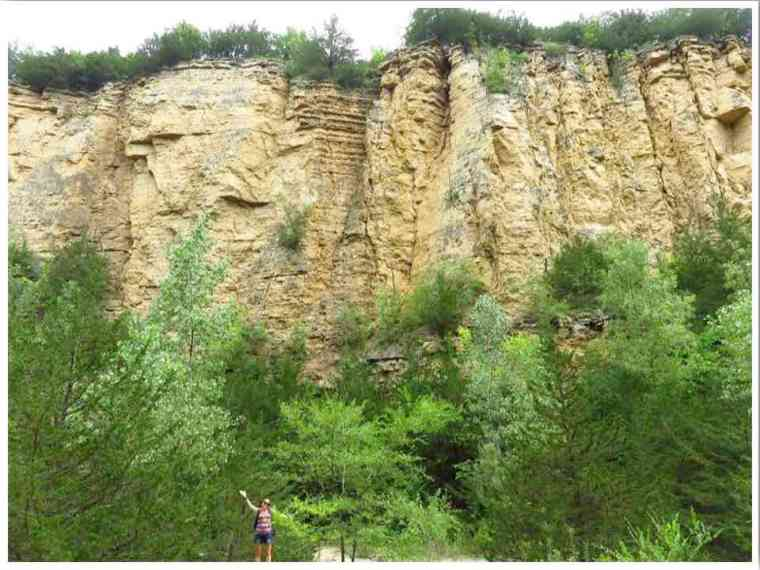 Mines of Spain Dubuque Horseshoe Bluff Trail