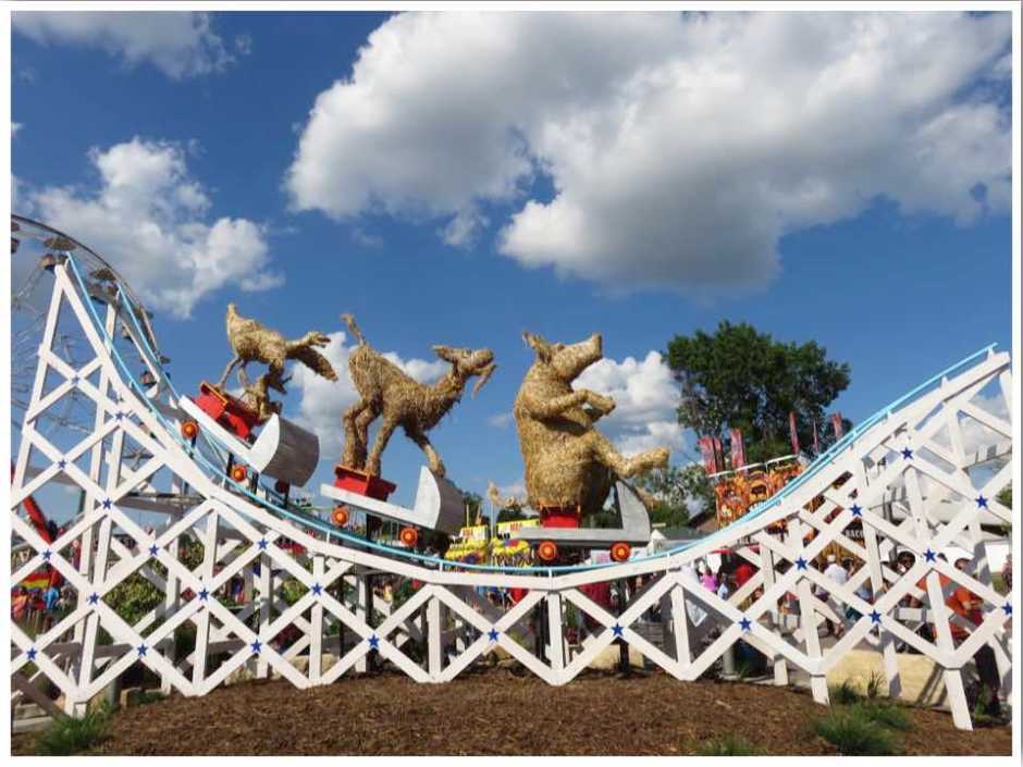 Iowa State Fair Straw Sculpture