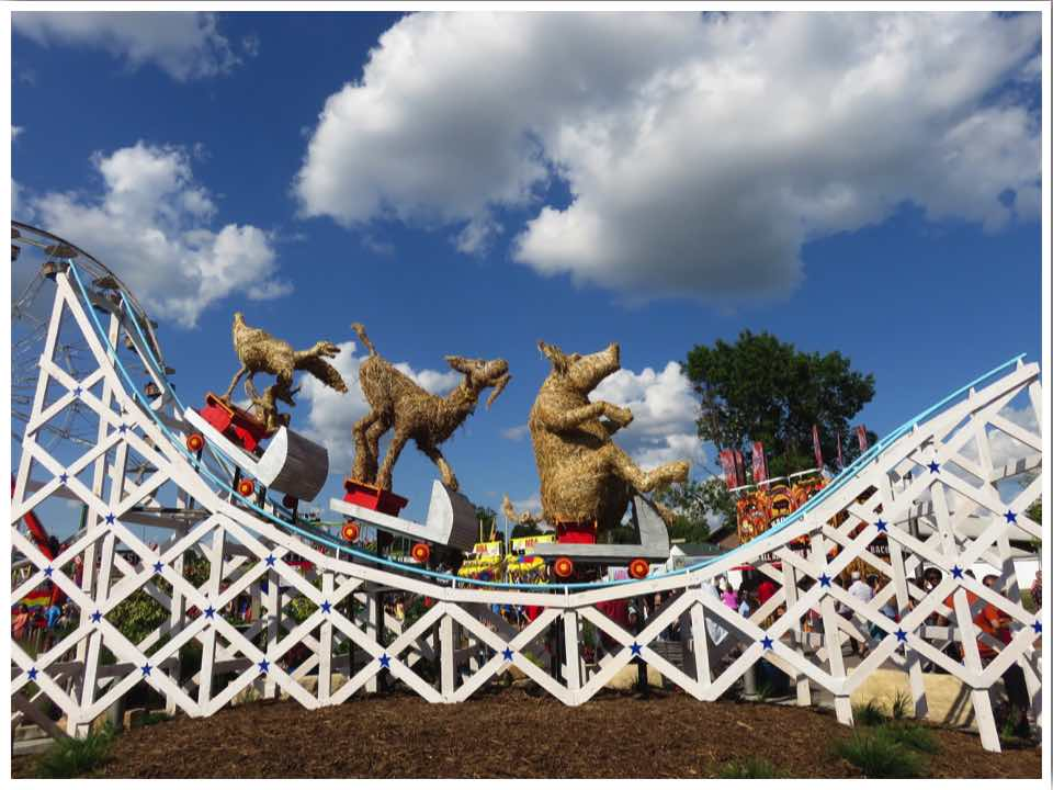 Iowa State Fair Straw Sculpture