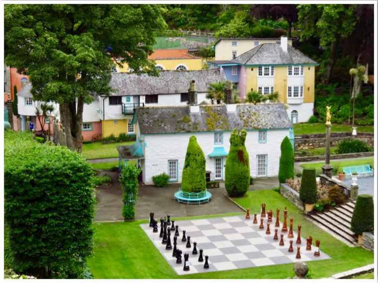 Portmeirion Chess Board