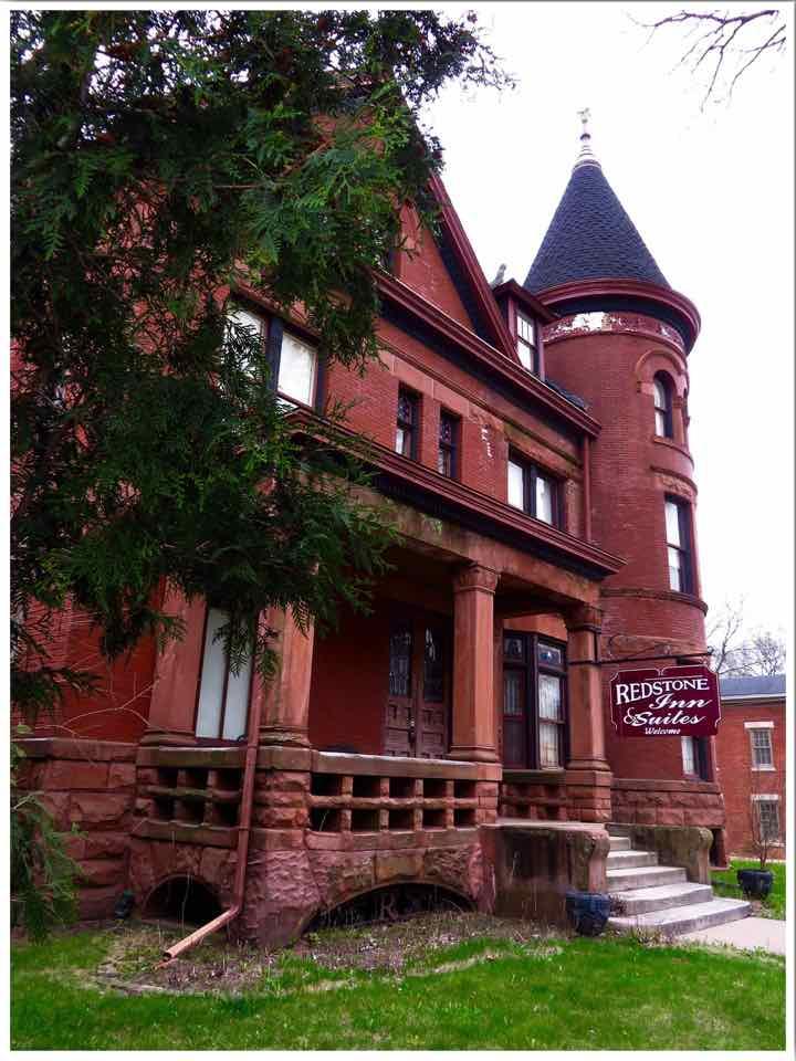 Redstone Inn & Suites Dubuque Iowa